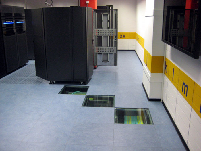 http://www.rau-systemausbau.de/wp-content/uploads/glasboden-5.jpg